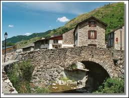 Je vous emmène dans le village midi-pyrénéen de Mérens-les-Vals. Nous nous rendons dans le département n° ...