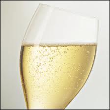Nous avons également regardé le prix du champagne pour choisir le moins onéreux !