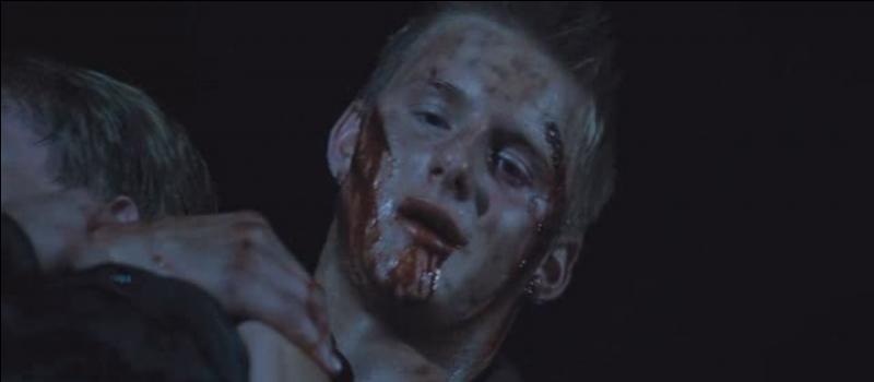 Le dernier tribut est enfin vaincu : Cato. Dans cette dernière bataille, quelle est la différence avec le film ?
