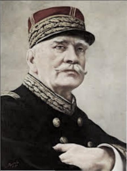 Quel est ce général qui mena la France à la victoire lors de la bataille de la Marne en 1914 ?