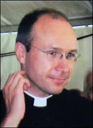 Que faisait le père Georges Vandenbeusch, au Cameroun, avant d'être enlevé le 14 Novembre 2013 ?