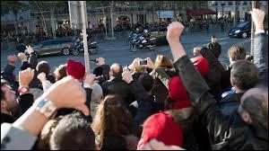 Lors de quelle occasion a-t-on vu les Bonnets rouges huer François Hollande ?