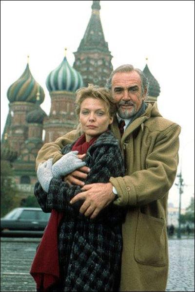 L'Espion qui venait du froid   ,   La Maison Russie   sont des romans d'espionnage écrits par cet écrivain.
