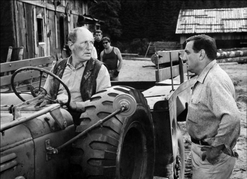 Qui jouait, aux côtés de Ventura, dans le film  Les grandes gueules  ?