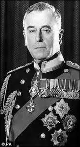 Lord Louis Mountbatten est décédé dans un attentat de l'IRA au large de Donegal en Irlande. Il fut le dernier à porter le titre de vice-roi...