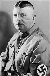 Dans l'Allemagne nazie, Ernst Röhm commandait des miliciens qu'on surnommait ''les chemises brunes'' . Quel était le nom de cette milice ?