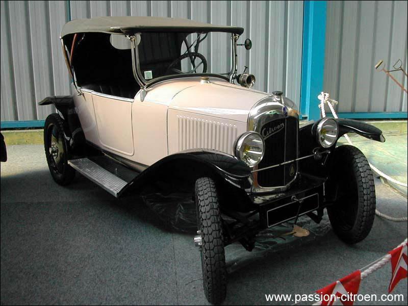 Quel est le modèle de cette très ancienne Citroën ?