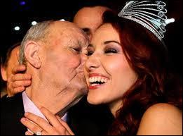 A quelle date est-elle élue Miss France 2012 ?