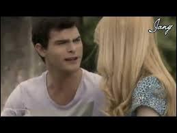 Comment Violetta découvre-t-elle le plan de Ludmila et Diego ?