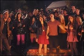 De quelle chanson viennent ces paroles :  ... 'Cause we all belong right here together...