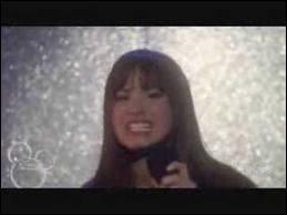 Quelle chanson chante Mitchie Torres au Final Jam ?