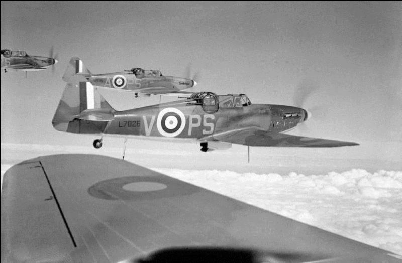 Cet avion avait la particularité de ne pas être armé vers l'avant mais vers l'arrière. Il était équipé d'une tourelle située derrière le cockpit ! Cet avion fut très vite retiré du service en tant que chasseur de jour. Il vit sa fin de service actif en 1942 ensuite, il ne fut plus utilisé que comme avion de sauvetage en mer !