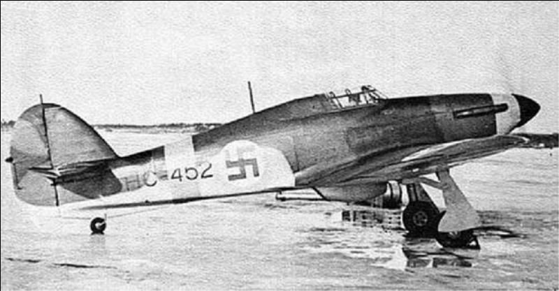 Ce fut le premier avion britannique à pouvoir atteindre les 500 km/h. il a participé à la bataille d'Angleterre, à la campagne d'Afrique du Nord. C'est cet avion qui a abattu le plus grand nombre d'avions allemands pendant la bataille d'Angleterre. Il servit également comme chasseur-bombardier.