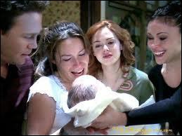Dans quel épisode, Piper donne-t-elle naissance à son premier enfant ?