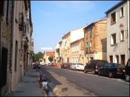 Nous traversons la commune languedocienne de Saint-Génis-des-Fontaines. Nous nous trouvons dans le département n° ...