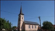 Je vous emmène à Sainte-Pôle. Ce village lorrain de l'arrondissement de Lunéville se situe dans le département ...
