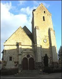 Voici l'église Saint-Médard de la commune bas-normande de Saint-Mard-de-Réno. Elle se situe dans le département ...