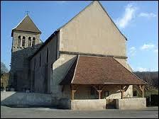 Voici l'église Saint-Étienne de la commune Nivernaise de Sauvigny-les-Bois. Elle se situe en région ...