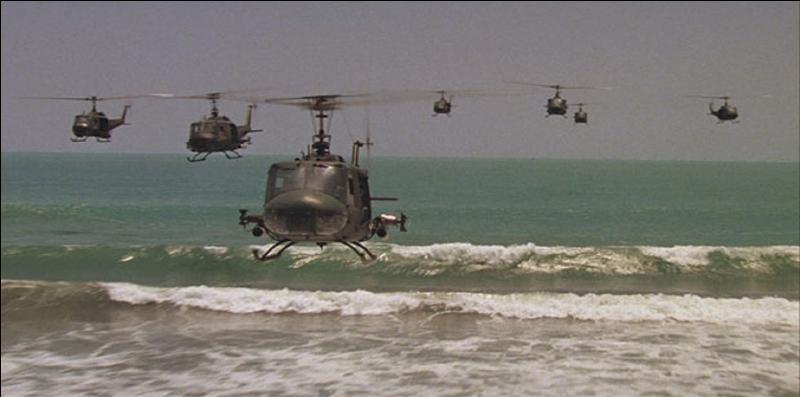 Ce film devrait vous être familier. Si je vous dis, Vietnam, charge des walkyries (musique), hélicoptères, chasse contre un officier US par ses compatriotes, massacres, à quel film pensez-vous ?