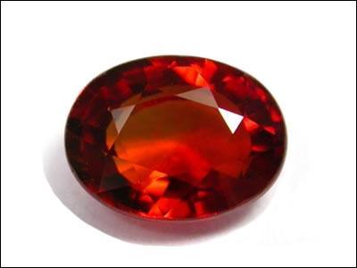 Une gemme est une pierre fragile