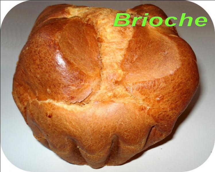 Qui a prononcé cette phrase : « S'ils n'ont pas de pain, qu'ils mangent de la brioche ! » ?