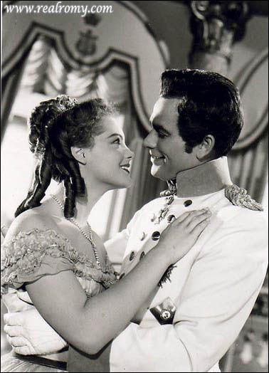 Quelle est cette actrice qui jouait dans  Les jeunes années d'une reine  ?