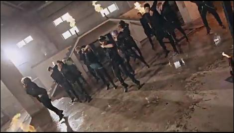 Quel est le titre de ce MV (Music Video) ?