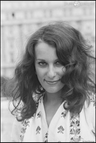 Bernadette Laffont , célèbre  Fiancée du pirate , est-elle encore parmi nous (16 décembre 2013) ?