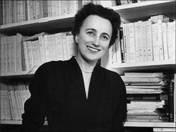 Pauline Réage  , la fameuse auteure de  Histoire d'O , grand succès de l'érotisme soft, est-elle encore en vie (16 décembre 2013) ?