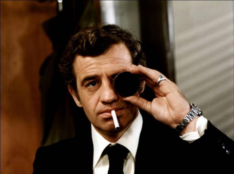 """Dans le film """"Peur sur la ville"""", avec qui Jean-Paul Belmondo fait-il équipe ?"""