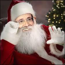 En quoi s'est déguisé François Hollande pour Noël ?