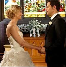 Dans quelle saison Chuck et Sarah se marient-ils.