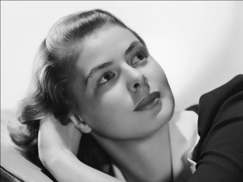 Quelle actrice, que l'on pourrait croire américaine, mais qui est en fait suédoise, s'est distinguée dans des fresques épiques comme Casablanca ?