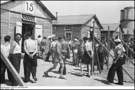 Quel était le nom donné en Allemagne aux camps de prisonniers de guerre destinés aux officiers ?