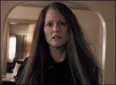 Comment s'appelle sa mère, jouée par Julianne Moore ?