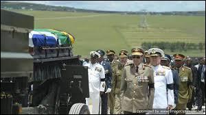 Comment s'appelle le village où a été enterré Nelson Mandela ?