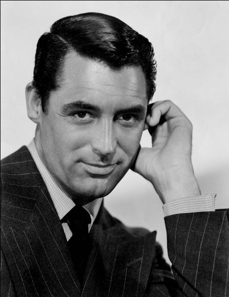 Comment se prénomme cet acteur américain, au sommet de sa gloire dans les années 1940, qui a tourné avec d'illustres actrices telles que Katharine Hepburn, Ingrid Bergman et Audrey Hepburn ?