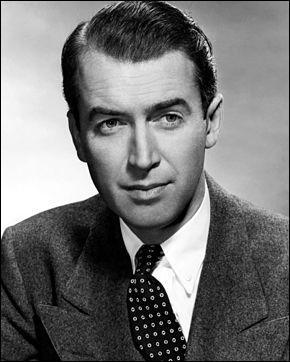 Quel est le nom de l'illustre acteur américain, dotée d'une grande polyvalence au cinéma, qui s'est distinguée pour avoir été dirigé par de grands réalisateurs à l'image d'Alfred Hitchcock, Henry Hathaway et John Ford ?