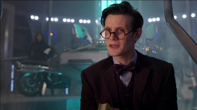 Quel livre le docteur lit-il au début de l'épisode ?