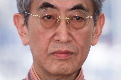 Janvier : Nagisa Ōshima (''L'Empire des Sens'' , ''Max mon amour'' ) disparaît le 15. Quelle star de la chanson a-t-il fait tourner dans ''Furyo'' ?