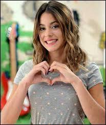 Elle joue dans  Violetta  :