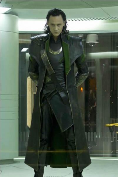 Dans The Avenger que vole Loky au SHIELD ?
