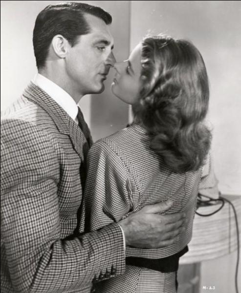 Un an après  La Maison du docteur Edwardes , Alfred Hitchcock réalise un nouveau film,  Les Enchaînés , en 1946, dans lequel il fera tourner un autre couple mythique du cinéma. Quel est-il ?