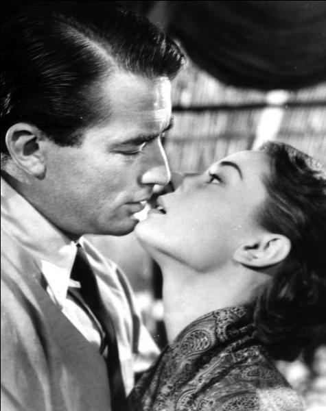 Quel est l'identité de ce couple hollywoodien qui s'est retrouvé, en 1953, sur le grand écran dans le film  Vacances romaines  dont l'intrigue se situe à Rome, la capitale italienne ?