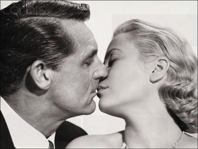 Quel autre couple mythique fut porté à l'écran par ce même Alfred Hitchcock, en 1955, dans le film policier connu sous le nom de  La Main au collet  ?