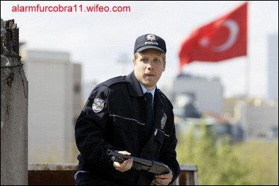 Comment se prénomme cet agent dans  Alerte Cobra  ?