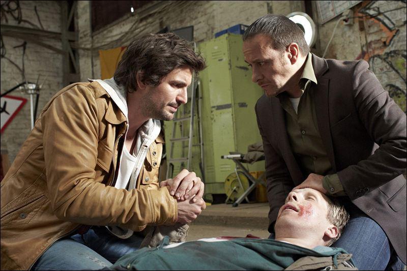 Qui meurt dans l'épisode 1 de la saison 32,  Les anges de la mort  ?