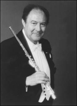 C'est l'un des plus grands flûtistes de tous les temps, il est français né à Marseille en 1922. De qui s'agit-il ?
