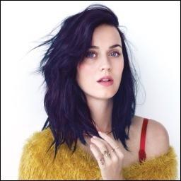 Lors d'une interview, Katy a déclaré qu'elle pourrait même coucher avec une de ses meilleures amies, laquelle ?
