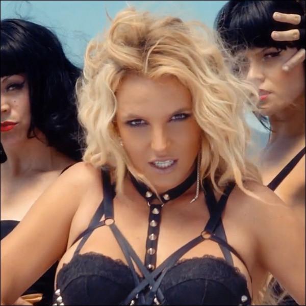 Pour finir, l'icône de la pop Britney Spears est de retour ! Quel est le premier extrait de son nouvel album ?